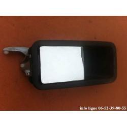 Poignée de porte extérieure droite pour Peugeot 305 - Référence 9102.26 (Neuf)