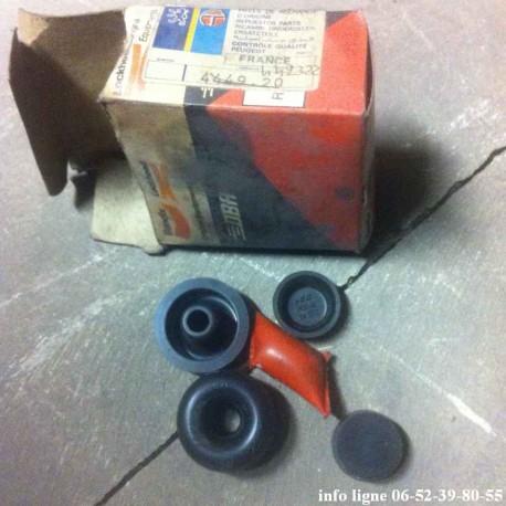 Capuchon de cylindre de roue Peugeot 404 et Peugeot 504  - Référence 4449.20 (neuf)