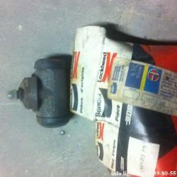 Cylindre de frein arrière pour Peugeot J7 et J9 - Référence 4402.38 (Neuf)