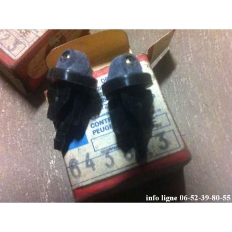 Lot de 2 gicleurs de lave glace Peugeot 404 et Peugeot 504 - Référence 6438.23 (Neuf)