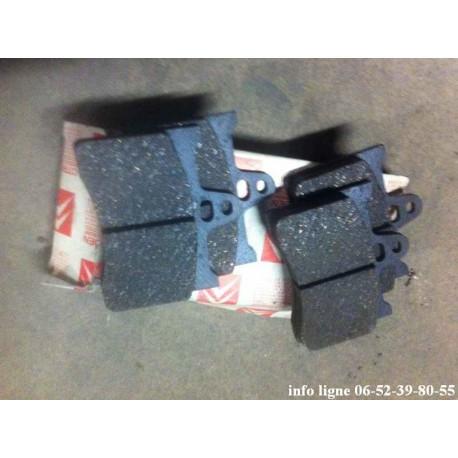Lot de 4 plaquettes de frein Citroën CX, Xantia et XM Break - Référence 95565564 (Neuf)