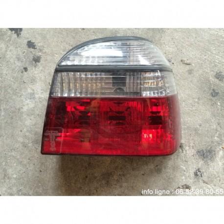 Feu arrière droit Volkswagen Golf 3 - Référence 084411916RB (Occasion)
