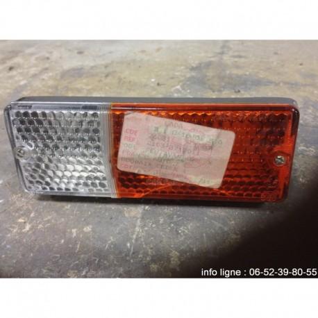 Clignotant Feu de stationnement AVG Lada - Référence 2103-3712011 (Occasion)