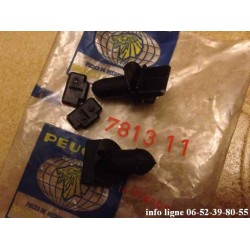 2 clips de fixation de calandre pour Peugeot 305 - Référence 7813.11 (Neuf)