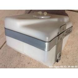 Réservoir de lave-glace SEIM avec support Peugeot 504 Peugeot 505 - Référence 6431.24 (Neuf)