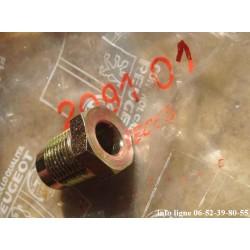 Raccord de récepteur ou émetteur d'embrayage Peugeot 204, 304, 404, 504, J7, J9 et Simca1100 - Référence 2091.01 (neuf)