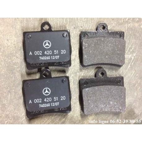 Plaquettes de freins pour Mercedes Classe C W202 W124 - Référence A0024205120 (Neuf)