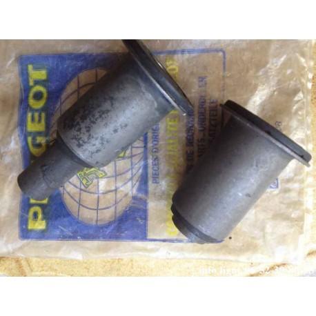 silentblocs d'articulation de bras de suspension arrière Peugeot 504 - Référence 5131.17 (neuf)