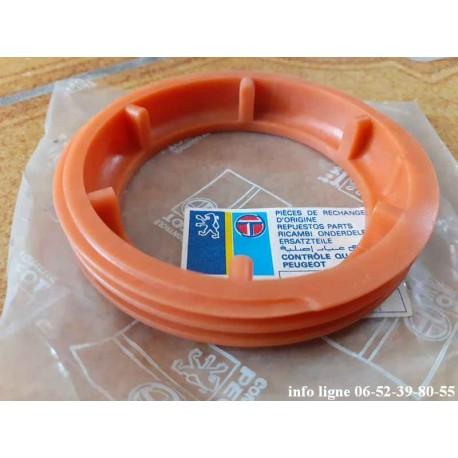 Bague plastique de jauge à carburant Peugeot 205 - Référence 1531.07 (Neuf)
