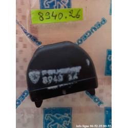 Articulation de coussin de banquette arrière gauche Peugeot 104 - Référence 8940.26 (Neuve)