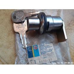 Barillet de coffre arrière Peugeot 204-304-305-504-505-604 - Référence 8630.25 (Neuf)